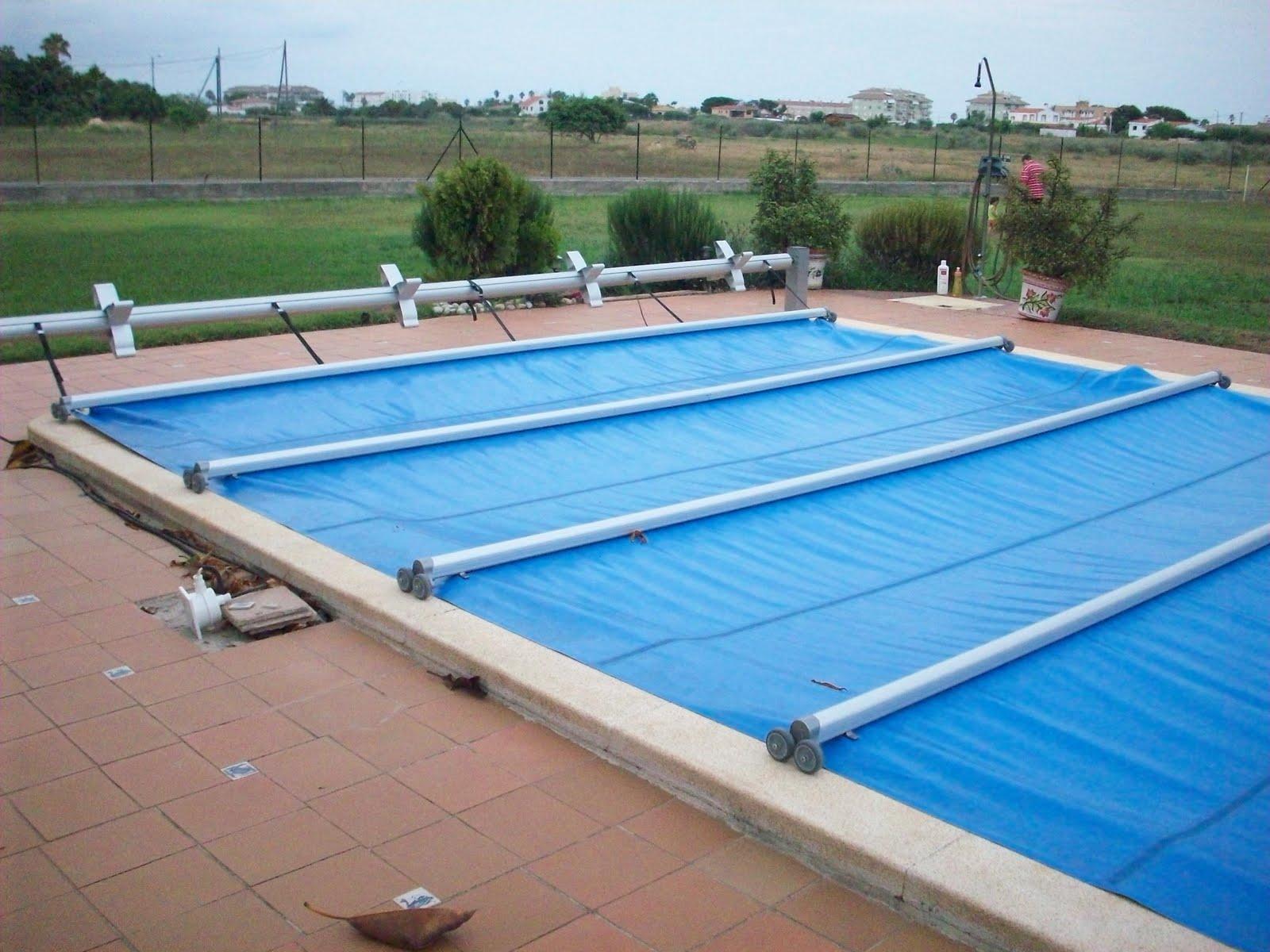 Cobertor deslizante de seguridad cobertores para piscina for Cobertor de piscina automatico